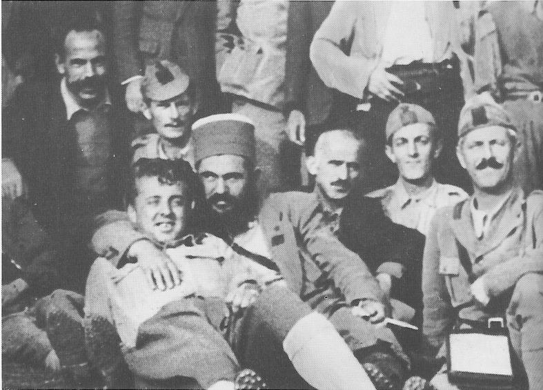 http://www.enver-hoxha.net/images/fotoalbumi/04-kriegszeit-1939-1944/50.jpg